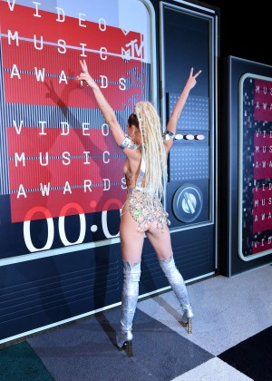 Miley Cyrus: 2015 MTV Video Music Awards in Los Angeles [adds]-39
